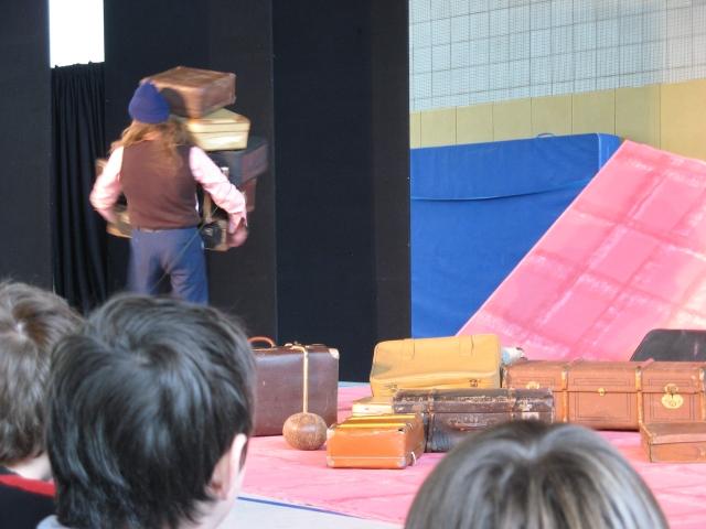 Theaterst�ck Koffer auf Reisen