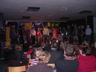 """Weihnachtsauff�hrung der """"Theater und Musik""""-Klasse"""